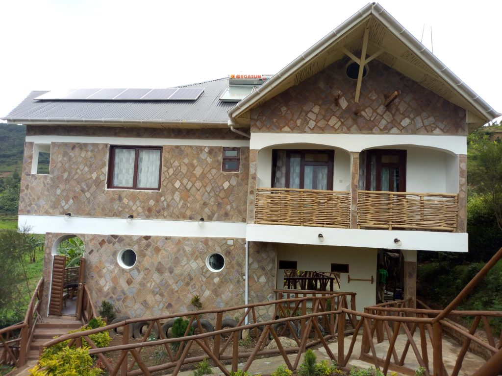 Lake Bunyonyi Rock Resort